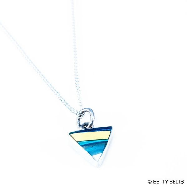 NECKLACE SURFITE TRIANGLE CHARM