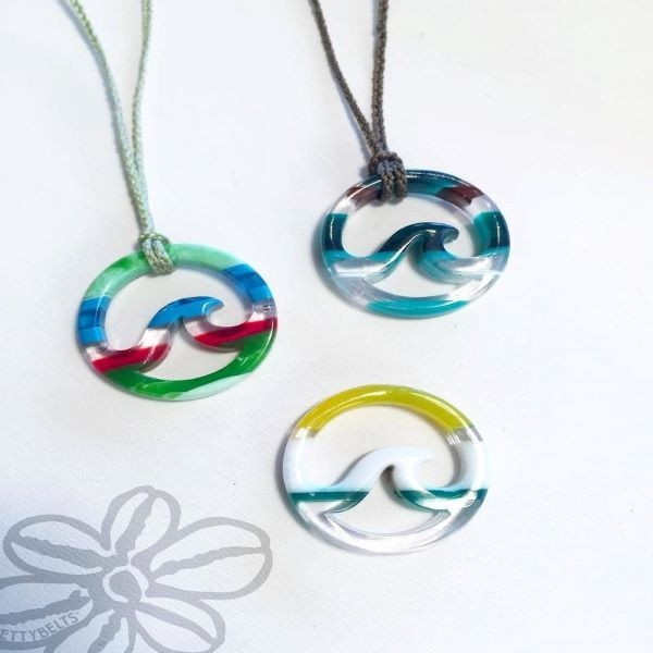 NECKLACE SURFITE WAVE ON CORD